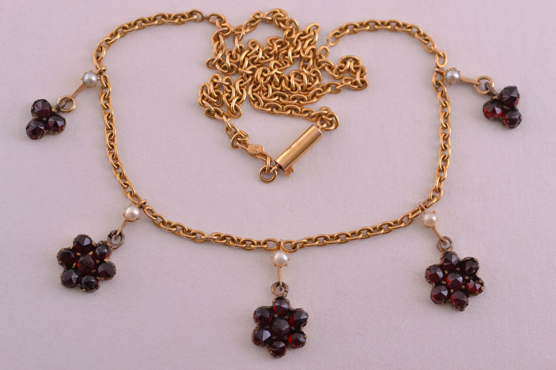 15ct Yellow Gold Victorian Necklace With Garnets And Pearls