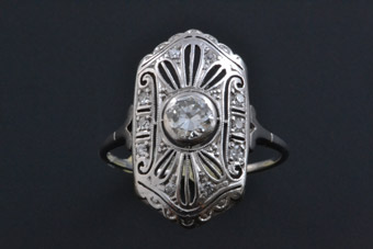18ct White Gold 1930's Art Deco Ring With Diamonds