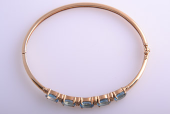 14ct Gold Modern Bangle