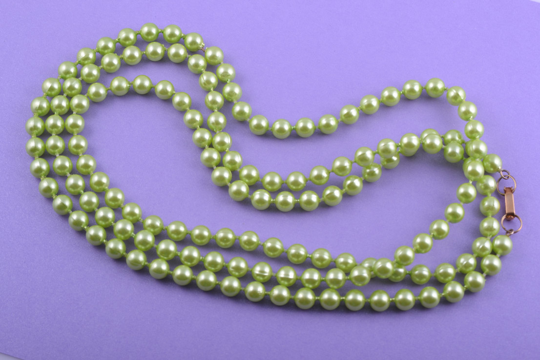Plastic 1950's Necklace With Lime-Coloured Beads