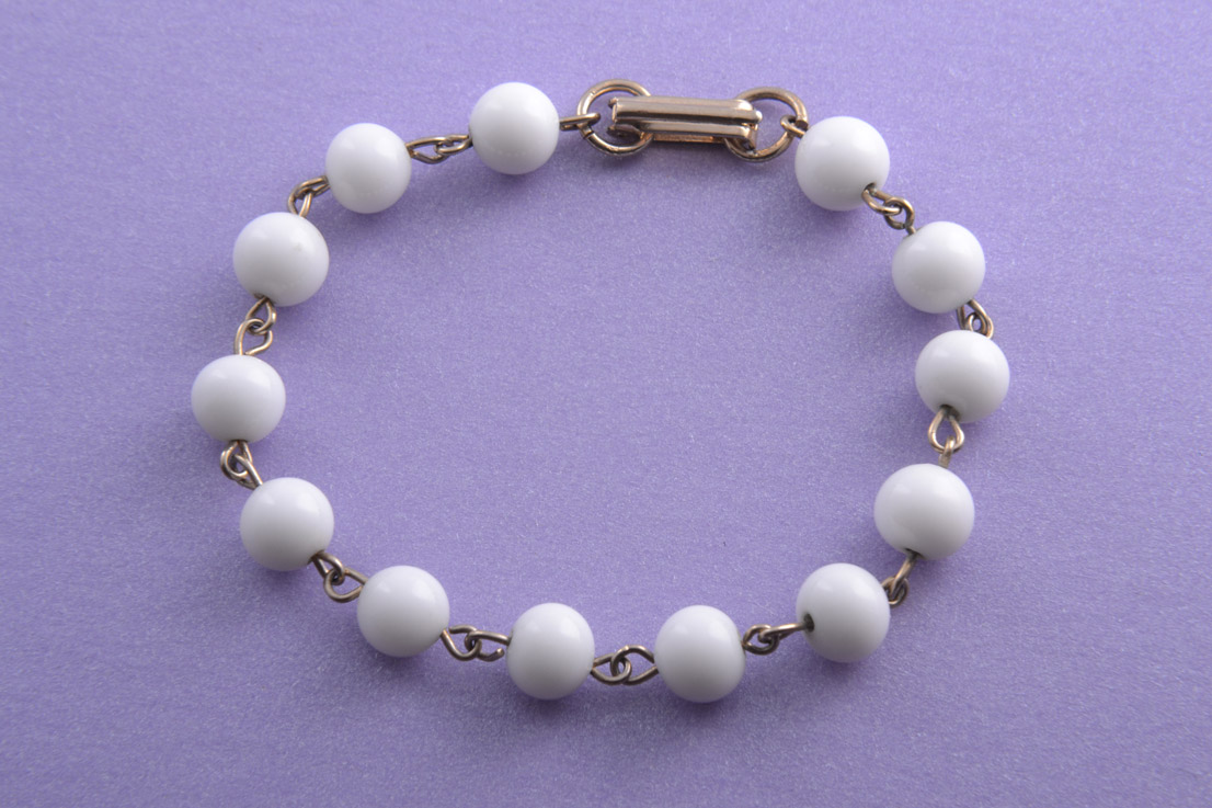 1950's Bracelet With White Glass Beads