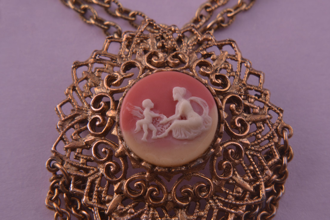 Gilt Filigree Vintage Pendant Brooch With Cameo