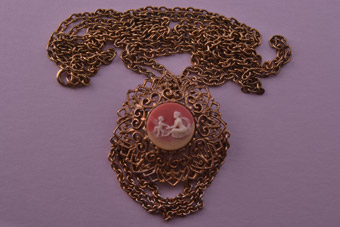 Gilt Filigree Vintage Pendant / Brooch With Cameo