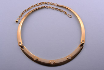 Gilt Collar Necklace With Hearts
