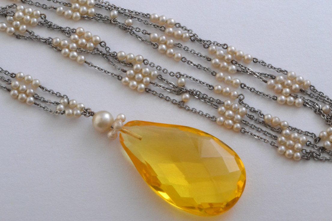 Art Deco Necklace With Glass And Faux Pearls Art Deco