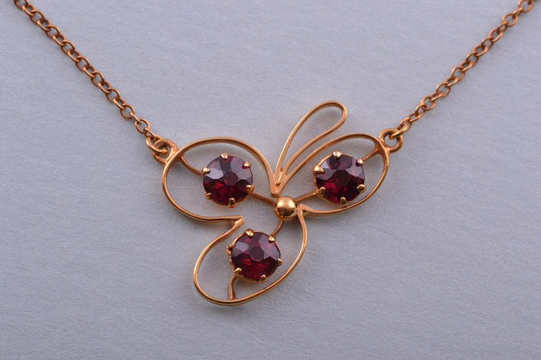 9ct Gold Edwardian Necklace With Garnets Antique