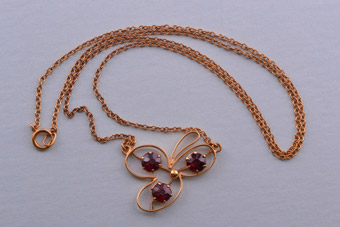 9ct Gold Edwardian Necklace With Garnets