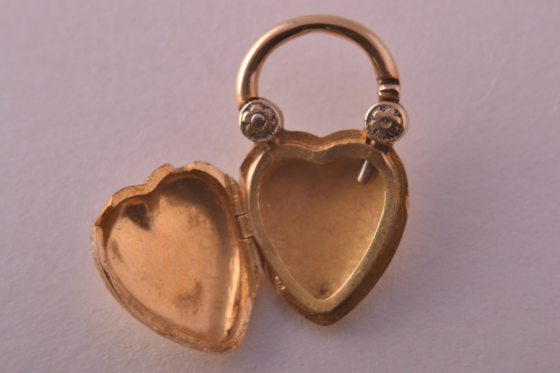 18ct Yellow Gold Victorian Padlock Locket With A Pearl And