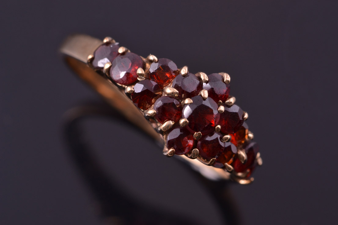 8ct Yellow Gold Vintage Ring With Garnets