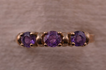 Gold Vintage Ring With Amethysts