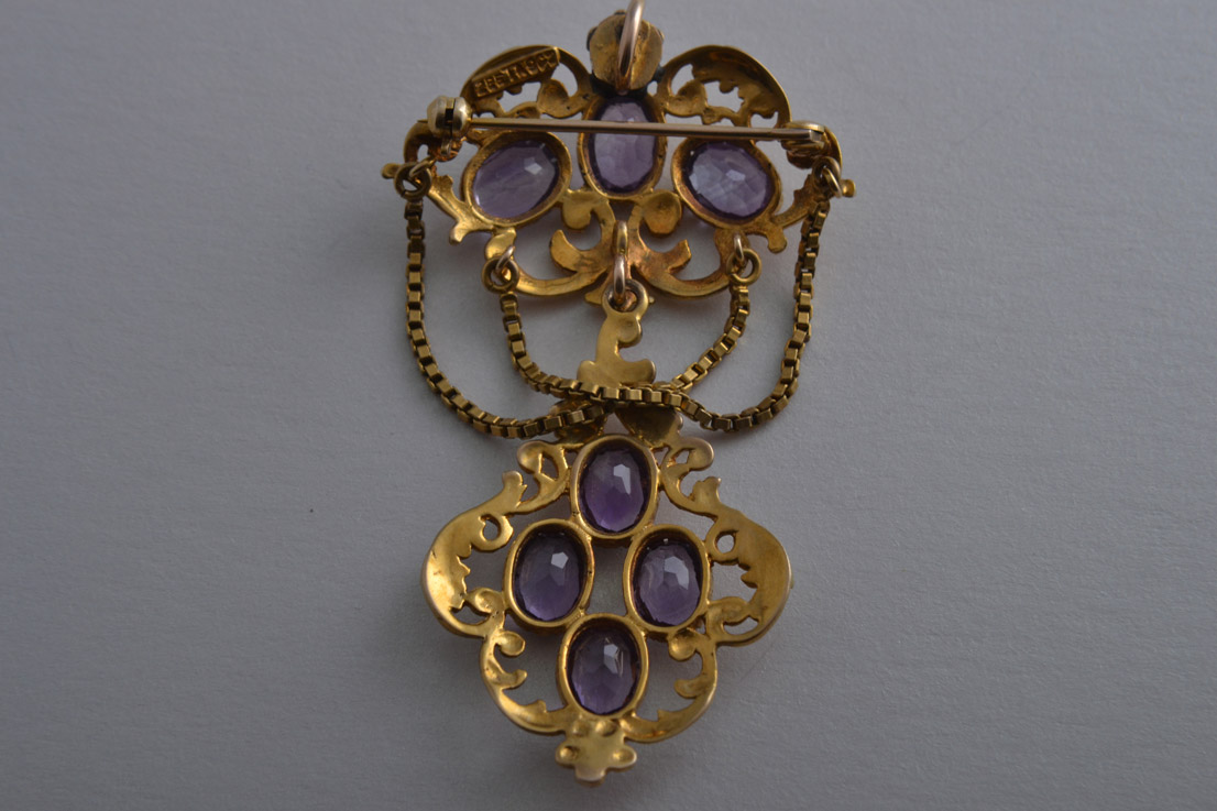 9ct Yellow Gold Pendant Brooch With Amethysts