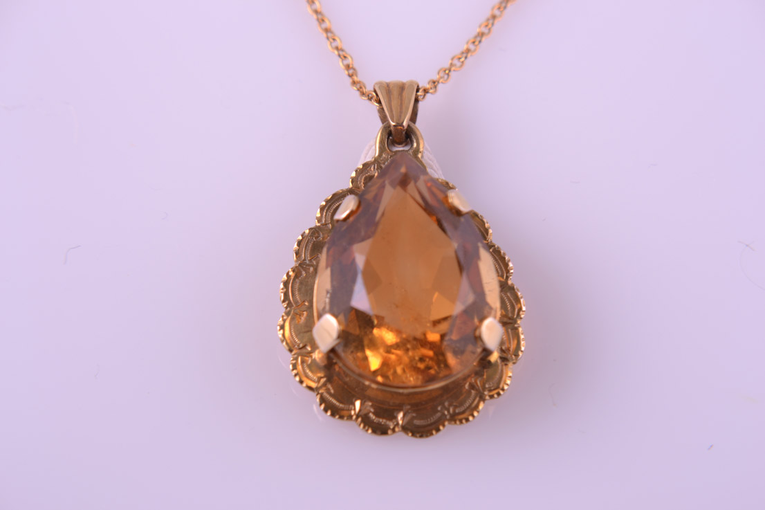 9ct Yellow Gold 1950's Pendant With Citrine
