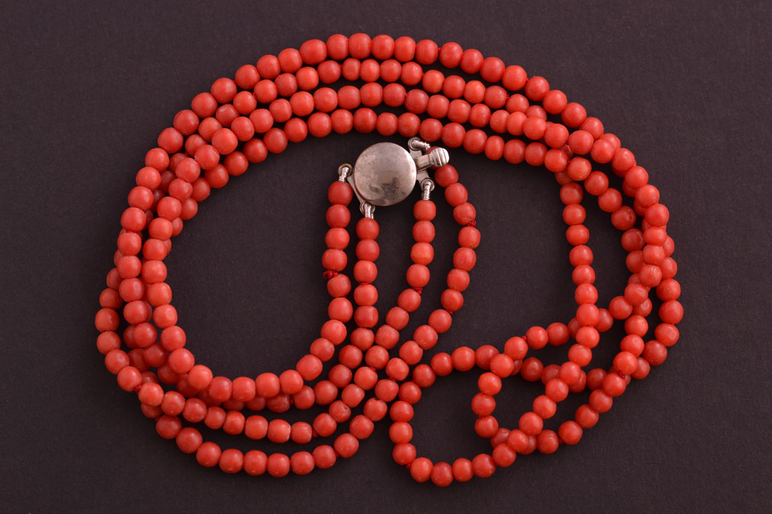 Vintage 1930 S 2 Strand Coral Necklace Vintage Jewellery