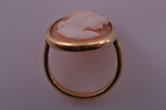 Gold Cameo Ring