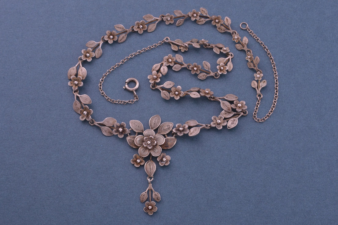 Silver Filigree Vintage Necklace