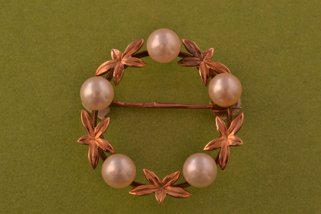 9ct Rose Gold Vintage Wreath Brooch With Pearls