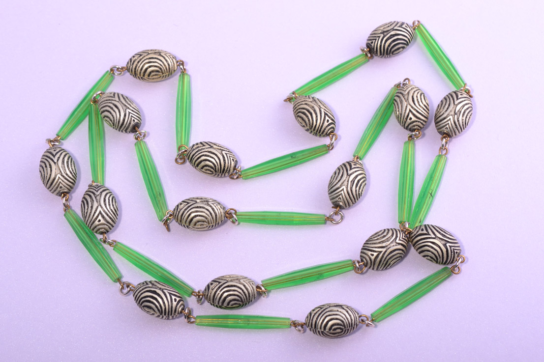 Plastic Vintage Necklace With Luminous Green Coloured Beads