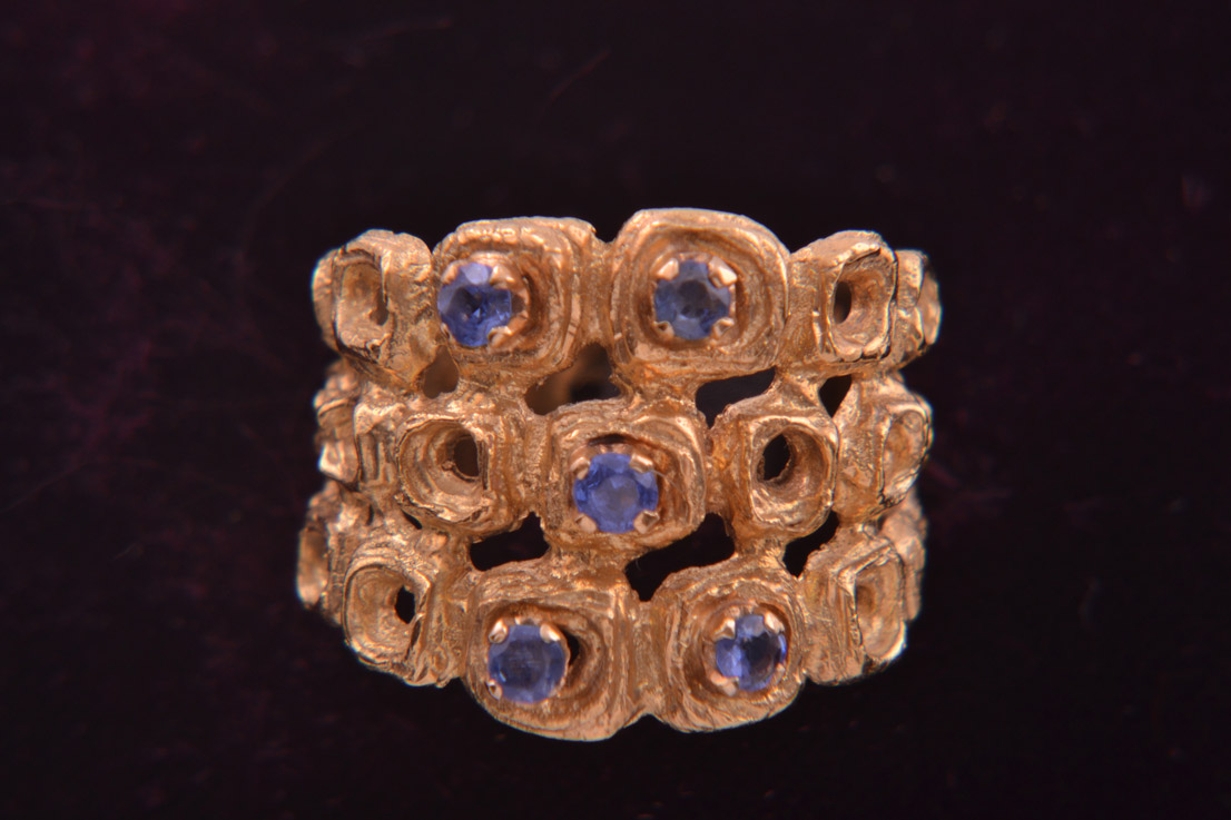 18ct Yellow Gold Retro Ring With Sapphires