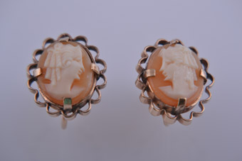 Gold Plated 1950's Screw On Earrings With Shell Cameo