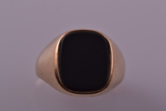 9ct Yellow Gold 1970's Signet Ring With Black Onyx