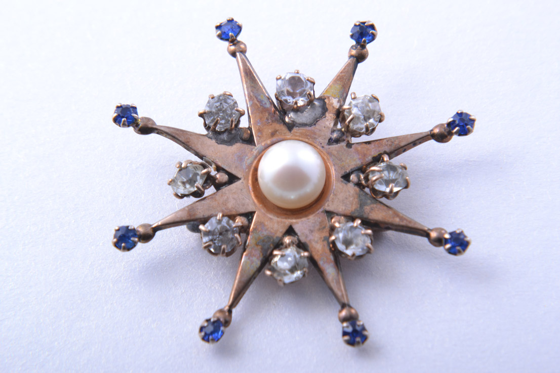 Star Pendant / Brooch With Paste