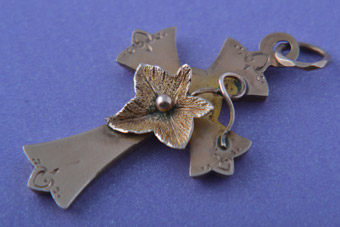 9ct Rose Gold Victorian Cross With Ivy Leaf