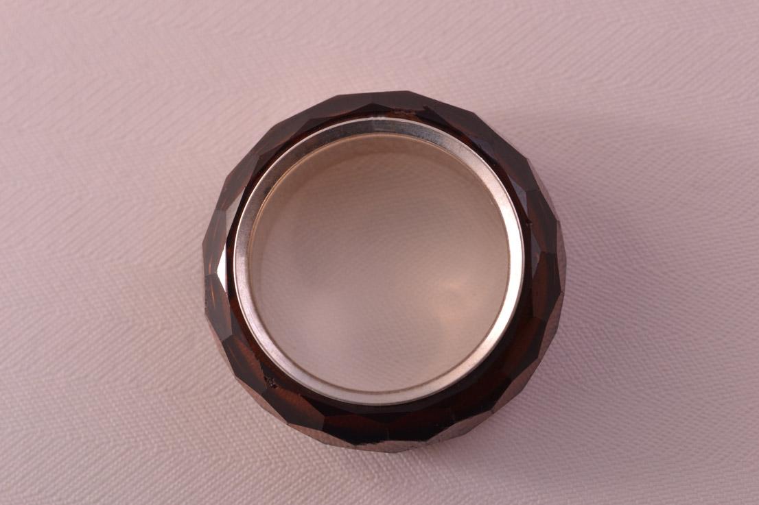 Nirvana Swarovski Crystal Ring With An Engraved Swan