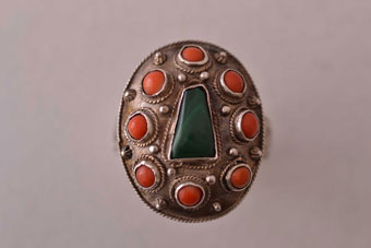 Silver Vintage Ring With Coral