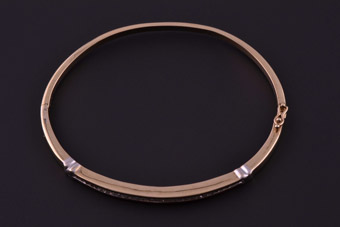 9ct Gold Modern Bangle