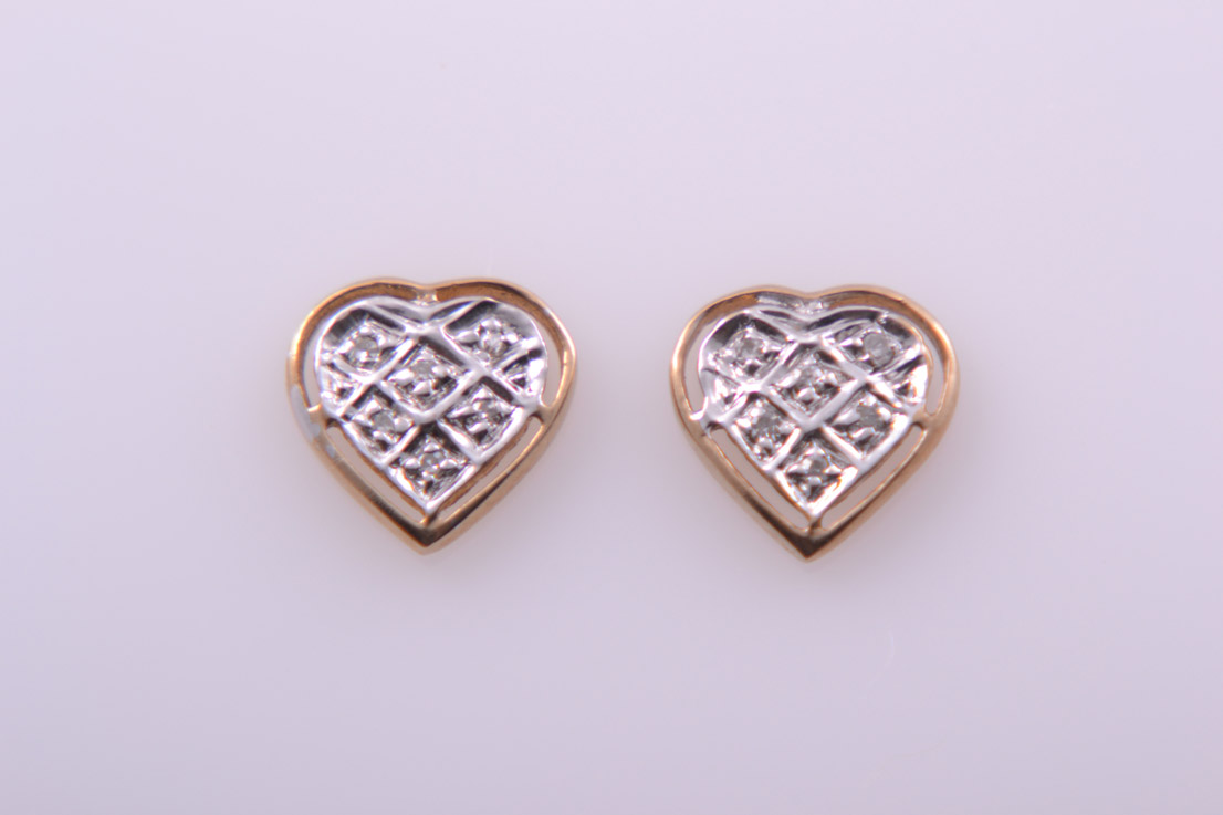 9ct Gold Modern Heart Stud Earrings With Diamonds