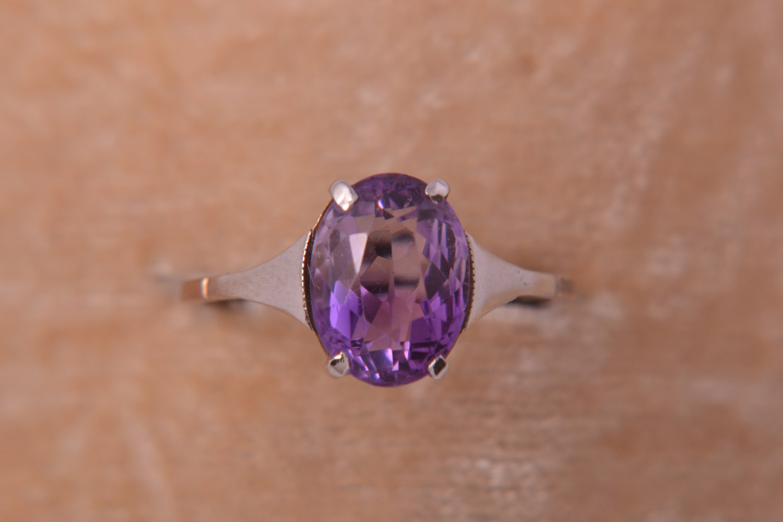 9ct Gold 1950's Vintage Ring With An Amethyst