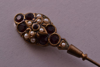 Vintage Stick Pin With Paste And Faux Pearls