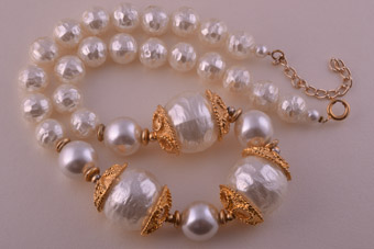 Gilt Necklace With Faux Pearls