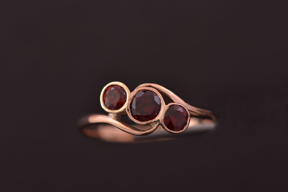 Vintage 9ct Rose Gold Ring With Garnets