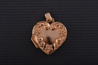 Vintage 9ct Yellow Gold Opening Heart Locket
