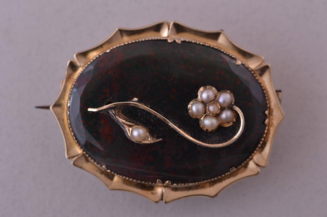 15ct Yellow Gold Victorian Brooch With Bloodstone And Pearls