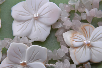 Shell Floral Necklace