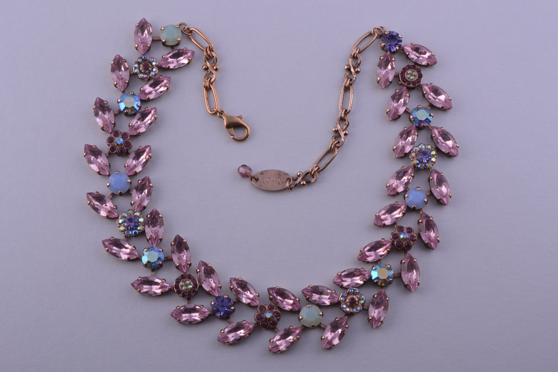Modern Necklace With Rhinestones