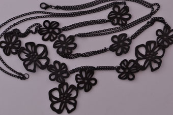 Modern Floral Shiny Black Necklace