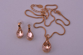 Modern Set With Pink-Champagne Coloured Stones