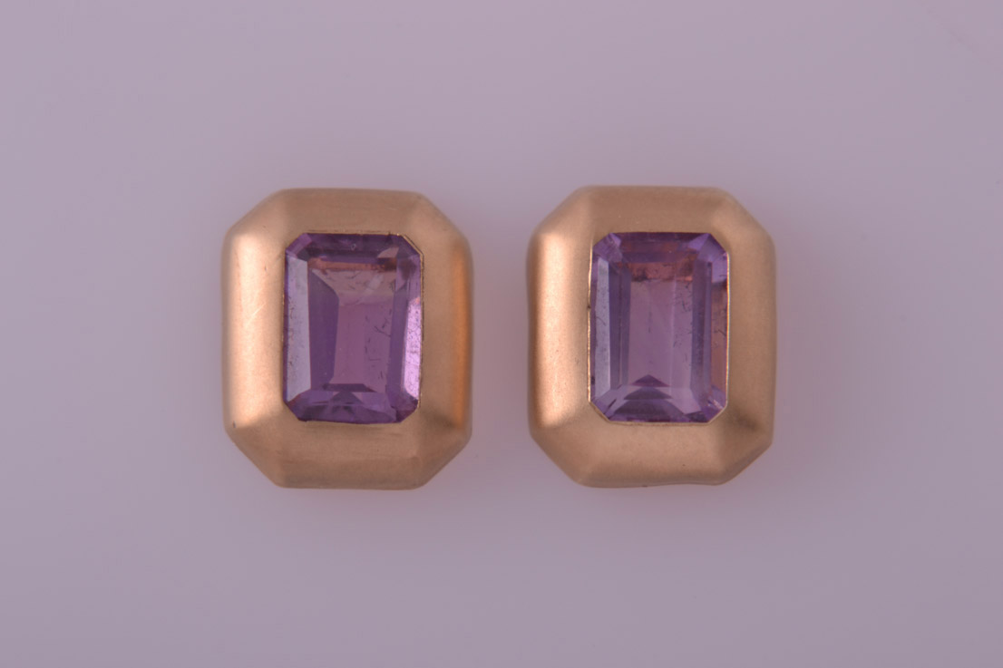 9ct Yellow Gold Modern Stud Earrings With Amethysts