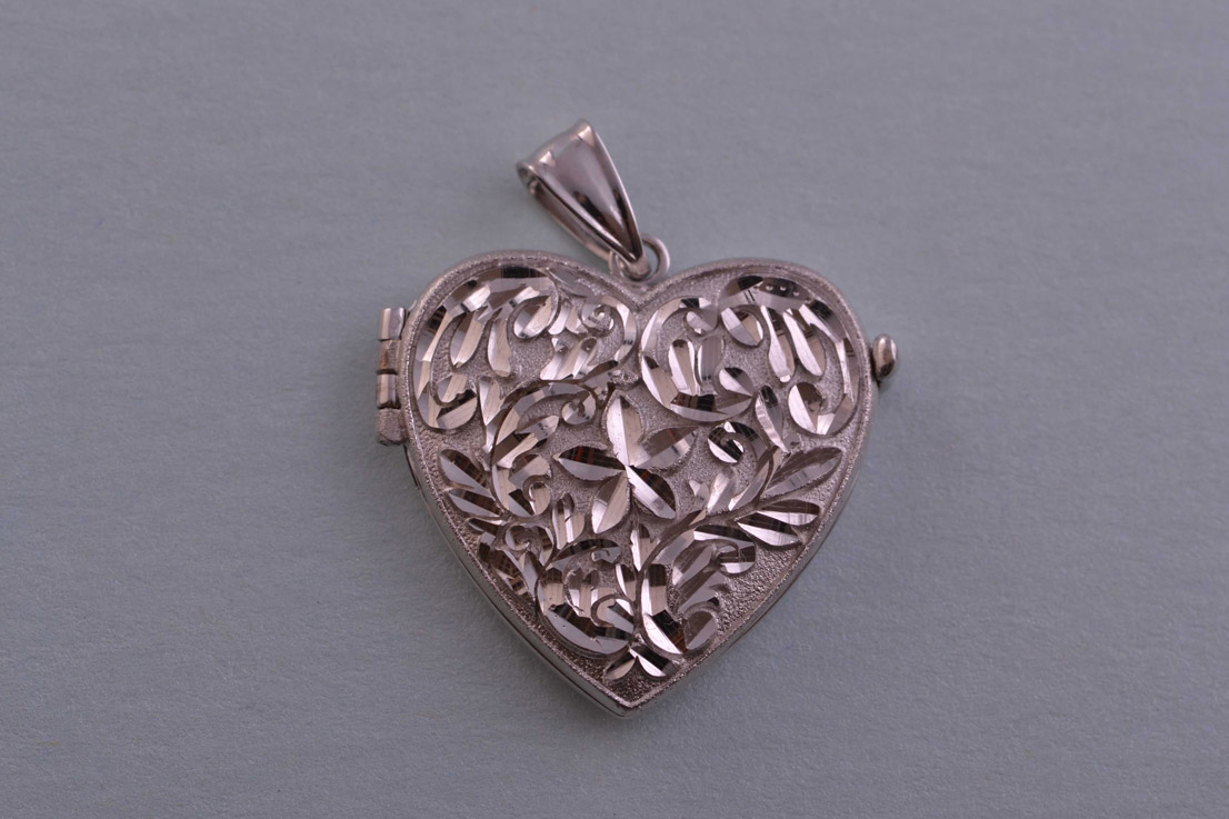 9ct White Gold Modern Opening Heart Locket Modern