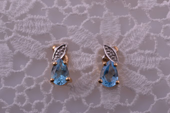 Yellow Gold Modern Stud Earrings With Blue Topaz And Diamonds