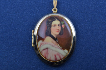 Gilt Locket
