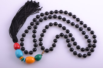 Plastic And Silk Thread Retro Necklace