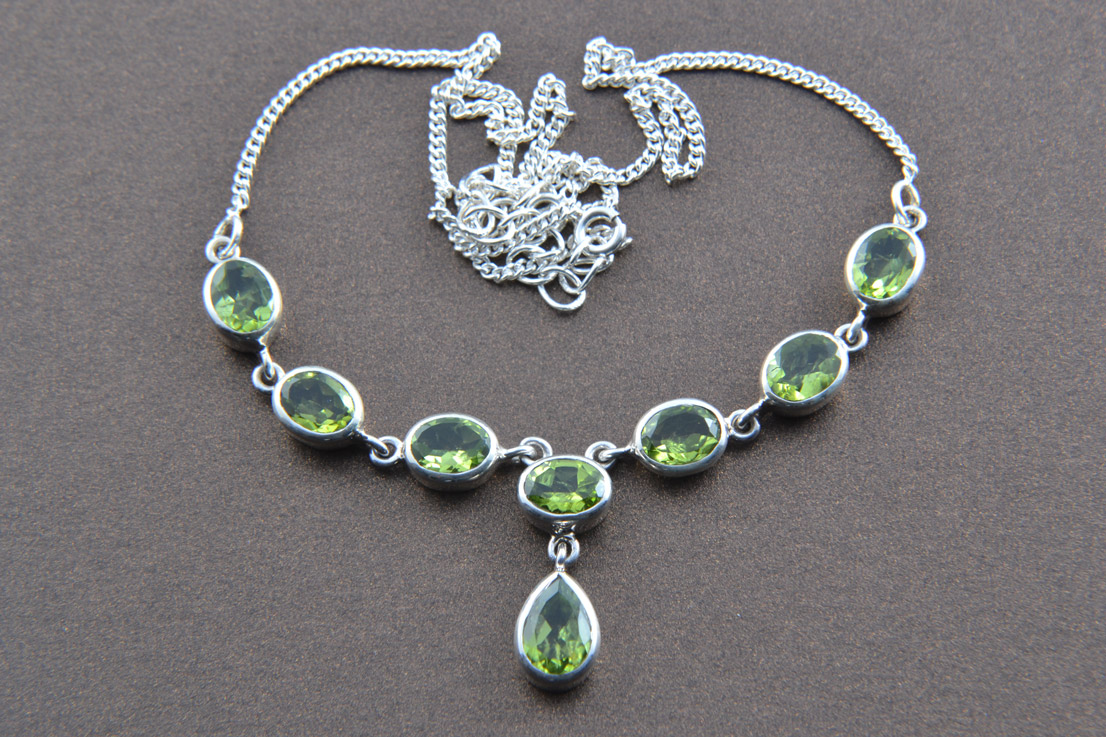 Silver Modern Necklace With Peridot