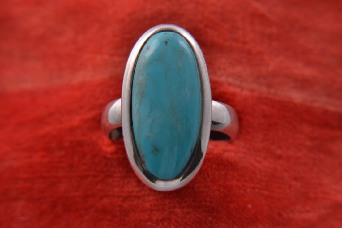 Silver Modern Oval-Shaped Ring With Turquoise