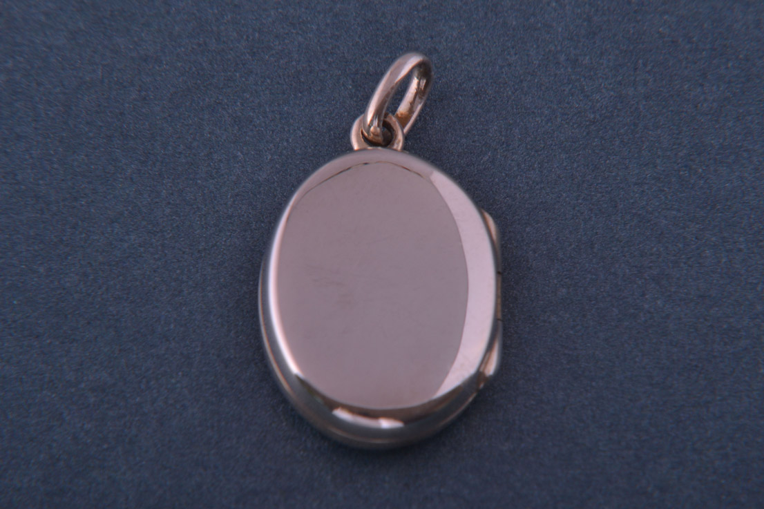Silver Modern Oval Floral Opening Locket Modern